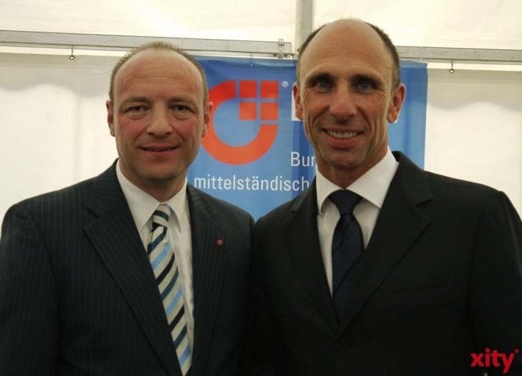 Stefan A. Wagemanns, Kreisgeschäftsführer des BVMW in Mönchengladbach und Erfolgstrainer Jörg Löhr (xity-Foto: N. Neuhaus)