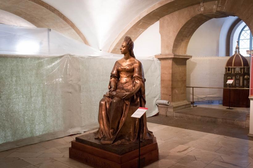 Eine überlebensgroße Büste der Anna Maria Luisa de′ Medici schmückt die Gruft in Florenz (Foto: Christian Steinmetz)