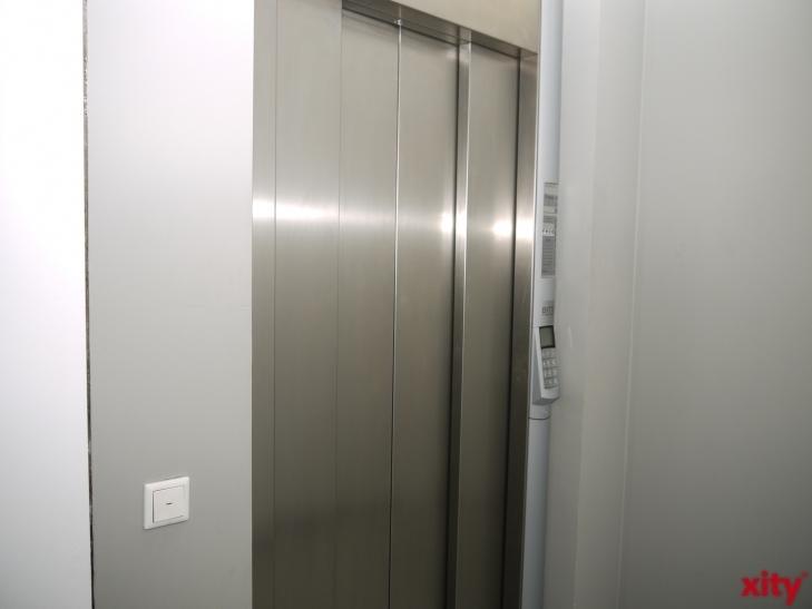 Ruhe bewahren, wenn der Aufzug stecken bleibt (xity-Foto: D. Postert)