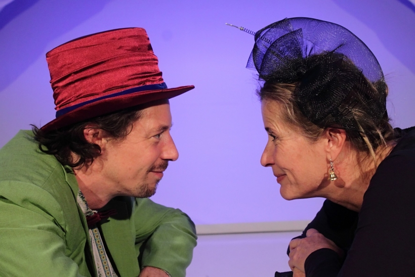 """Das Kresch-Theater zeigt das Stück """"Guten Tag, Liebe Nacht"""" von Alice Quadflieg (Fotos: Thomas Weinmann)"""