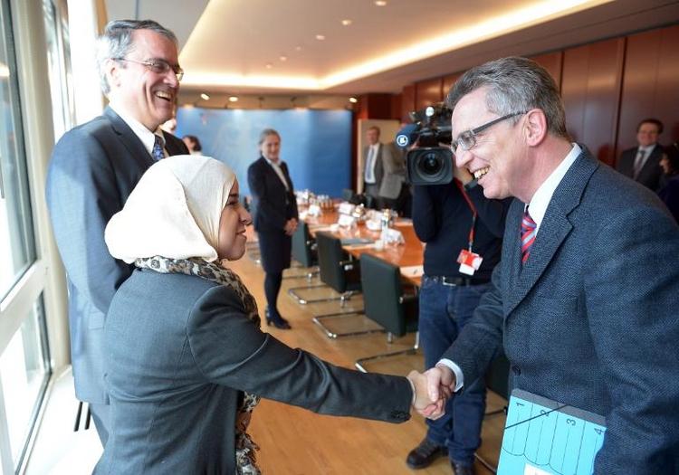 De Maizière fordert mehr Differenzierung bei Zuwanderung (© 2014 AFP)