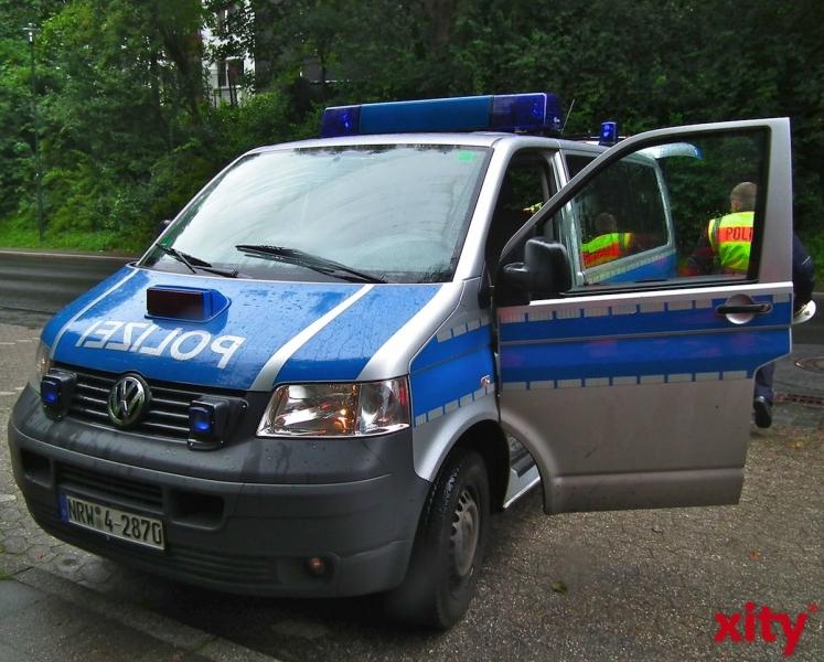 Großfahndung nach Überfall auf Geldinstitut in Unterrath (xity-Foto: M. Völker)