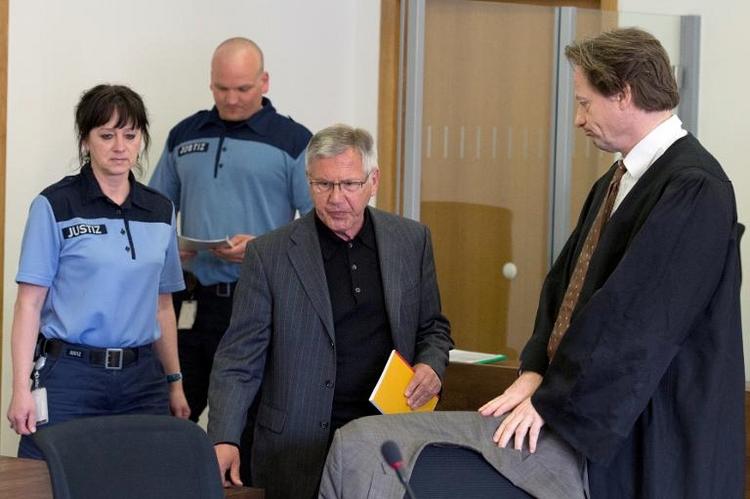 Brandenburger Ex-Bürgermeister wegen Mordes verurteilt (© 2014 AFP)