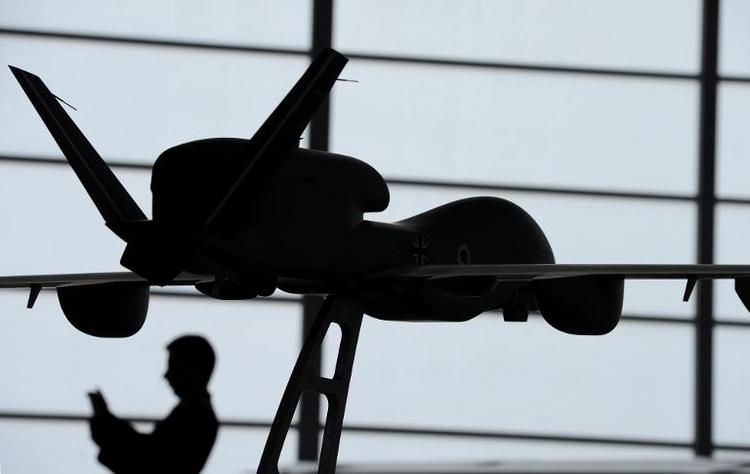 SPD will Rückkehr zu Euro-Hawk-Projekt prüfen (© 2014 AFP)