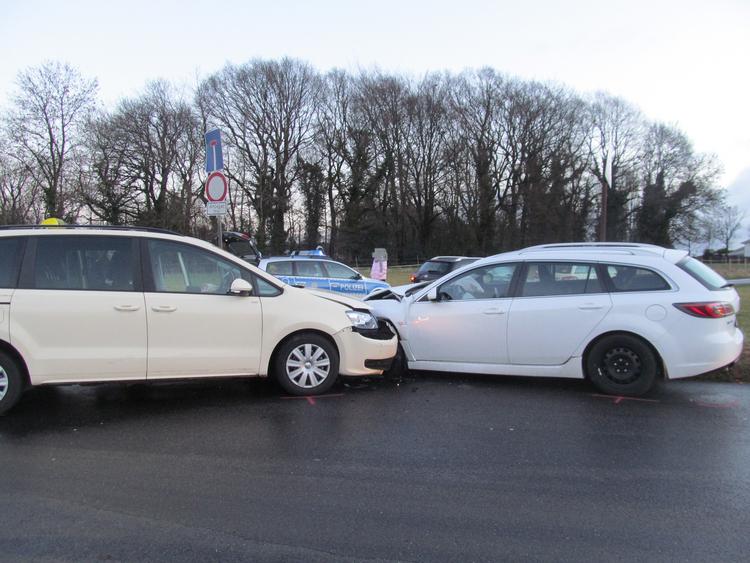 Verkehrsunfall mit hohem Sachschaden(Foto:Polizei Mettmann)