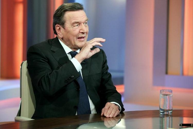 Altkanzler Schröder findet Migrantendebatte erschreckend (© 2014 AFP)