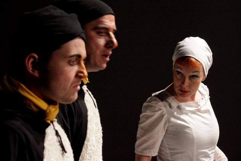 "Theaterstück: ""An der Arche um Acht"" vl: Benedikt Hahn, Angelo Enghausen-Micaela, Britta Weyers (Fotos: Thomas Weinmann)"