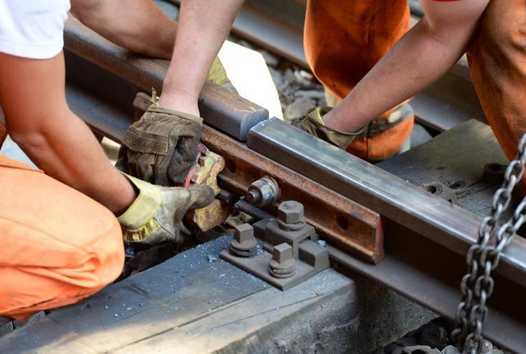 Regierung startet eigene Kontrolle des Schienennetzes (© 2014 AFP)