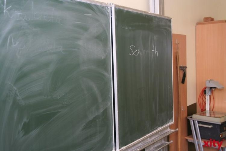 """Professor Dr. Klaus Klemm, sollte innerhalb eines Monats analysieren, welche """"Mögliche finanzielle Auswirkungen einer zunehmenden schulischen Inklusion in den Schuljahren 2014/15 bis 2016/17"""" haben werde. (xity-Foto: M .Völker)"""