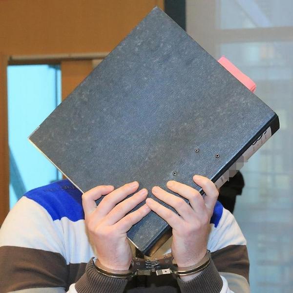 Prozess wegen Überfall auf Imbissbetreiber (© 2014 AFP)