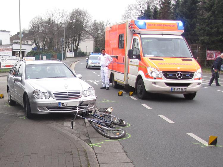 Fahrradfahrer übersehen und schwer verletzt (Foto: Polizei Mettmann)