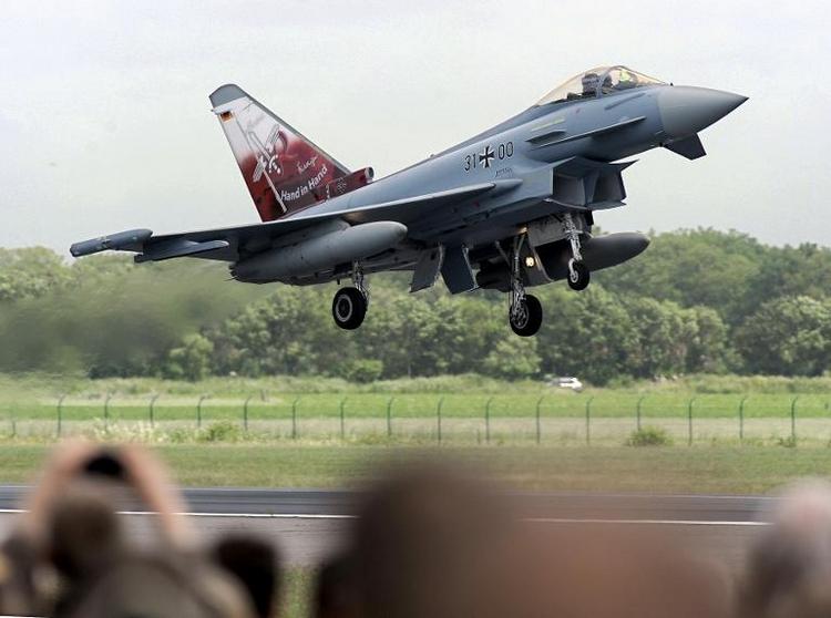 Opposition kritisiert Zahlung zu Eurofighter (© 2014 AFP)