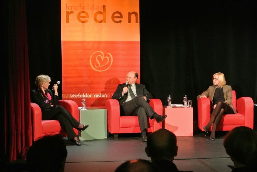 Vorstände von Sparkasse und Stadtwerke Krefeld sprechen über Geld (Foto: Stadt Krefeld)