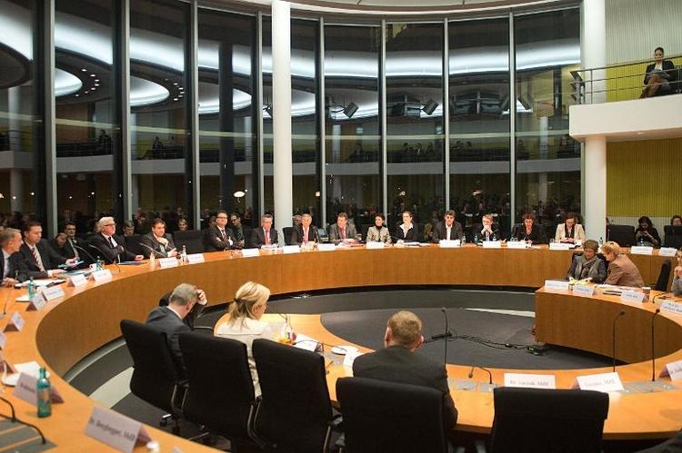 Opposition sieht noch offene Fragen zu Edathy (© 2014 AFP)