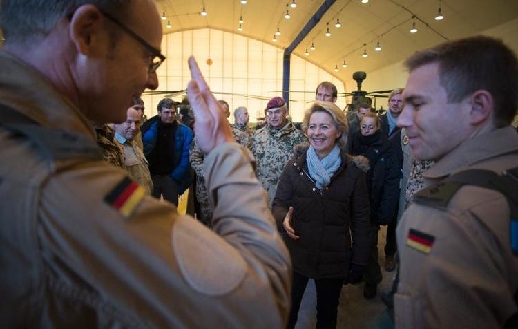 Außenamt will Debatte über deutsche Auslandseinsätze (© 2014 AFP)