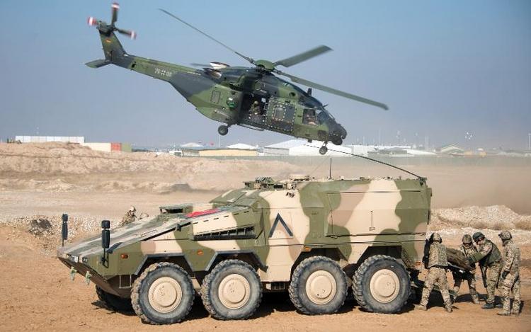 Verteidigungsministerium berichtet über Rüstungsvorhaben (© 2014 AFP)