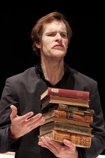 """""""FAST FAUST"""" im KRESCHtheater: Frank Maier (Foto: Thomas Weinmann)"""