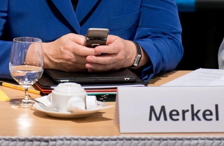 NSA hört angeblich statt Merkel verstärkt ihr Umfeld ab (© 2014 AFP)