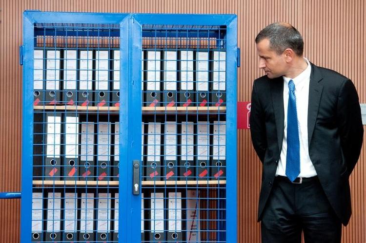 Edathy fordert Ablösung von Ermittlern  (© 2014 AFP)