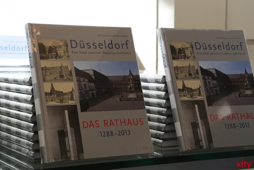 Das Düsseldorfer Rathaus von 1288 bis 2013 (xity-Foto: D. Creutz)
