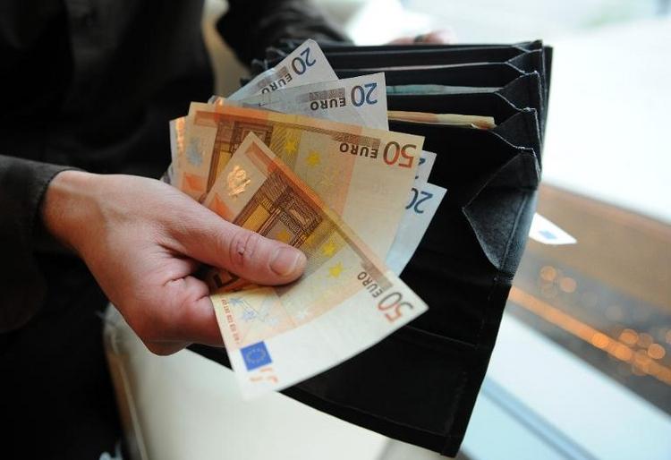 Verbände dringen auf strengere Regeln für Parteispenden (© 2014 AFP)