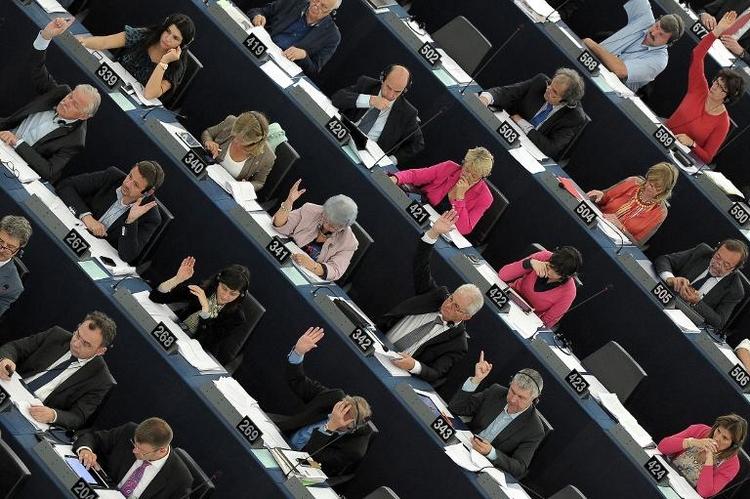 Urteil zu Drei-Prozent-Klausel: Kritik im EU-Parlament (© 2014 AFP)