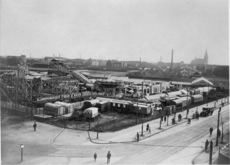 Die Kirmestradition in Krefeld reicht allerdings weiter zurück und vor dem Sprödentalplatz gab es andere beliebte Festplätze in der Stadt (Foto: Stadtarchiv Krefeld)