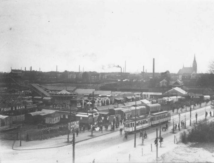 Sprödental-Kirmes Uerdinger Straße Ecke Grenzstraße im Jahr 1928. (Foto: Stadtarchiv Krefeld)