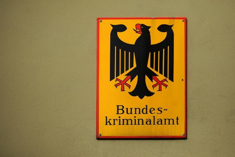 BKA-Beamter angeblich wegen Kinderpornografie entlassen (© 2014 AFP)