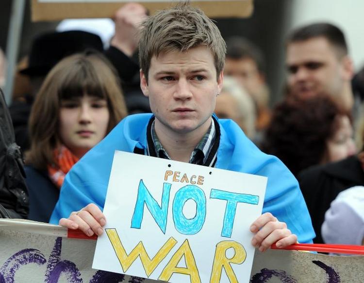 Ukraine-Demonstration vor russischer Botschaft in Berlin (© 2014 AFP)