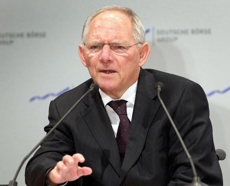 Bericht: Schäuble spart auf Kosten der Krankenkassen (© 2014 AFP)
