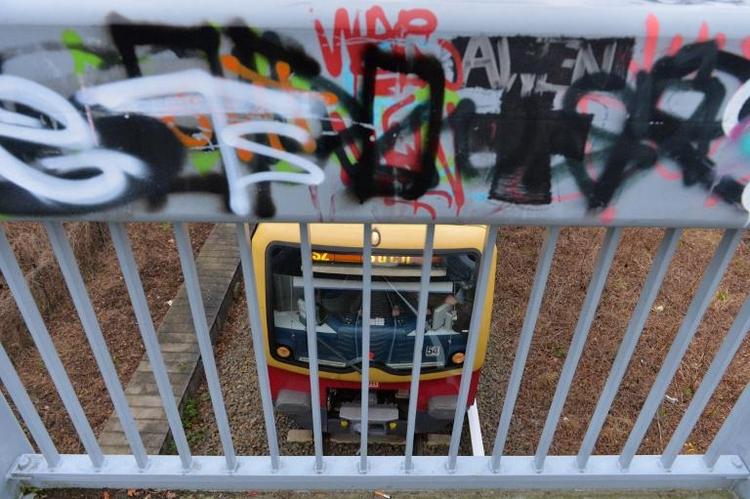 Junge beim S-Bahn-Surfen in Berlin tödlich verunglückt (© 2014 AFP)