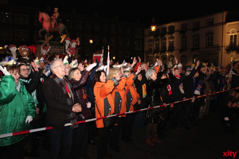 Die Karnevalsvereine verabschiedeten ihr geliebtes Prinzenpaar (xity-Foto: H. Müller)