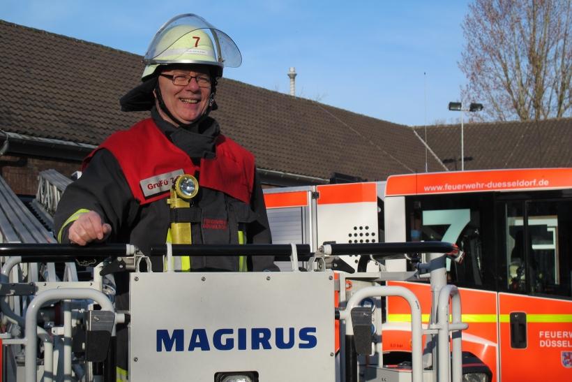Hauptbrandmeister Karl-Heinz Halbekann geht nach 38 Jahren Dienst in den Ruhestand (Foto: Bildstelle Feuerwehr Düsseldorf)
