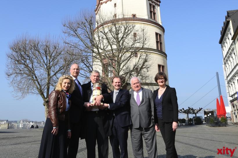 (v.l.) Museumsleiterin Dr. Annette Simpler, Arndt Hallmann, Ernst Lamers, Michael Breuer, Friedrich G. Conzen und Dorothée Coßmann. (xity-Foto: D. Creutz)