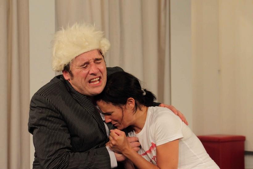 "Theater im Kresch ""Kabale und Liebe"" vl: Angelo Enghausen-Micaela, Julia Rehn (Foto: Thomas Weinmann )"