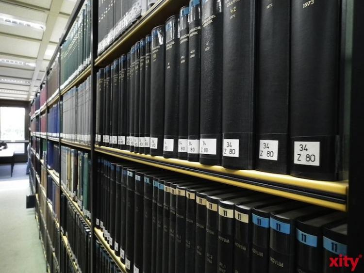 """23 Düsseldorfer Archive präsentieren sich zum """"Tag der Archive"""" im Weiterbildungszentrum (xity-Foto: M. Völker)"""