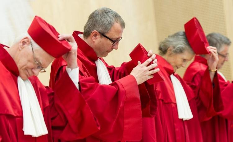 Ex-Verfassungsrichter kritisiert Urteil zu Europawahl  (© 2014 AFP)