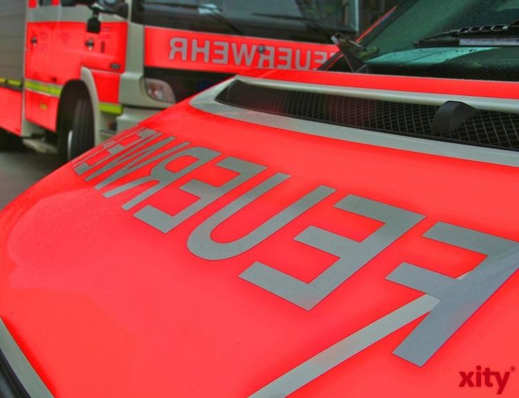 Brand an der Dakerstraße: Empfehlung zur Aschebeseitigung (xity-Foto: M. Völker)