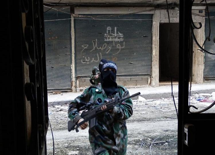 16-Jährige aus Kostanz in Syrien an der Waffe geschult (© 2014 AFP)