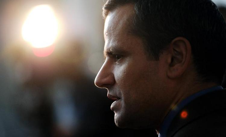 Edathy will Buch über seinen Fall schreiben (© 2014 AFP)