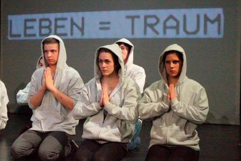 """Von wegen """"fehlbesetzt""""! Die gleichnamige aktuelle Produktion des KRESCHstadtjugendtheaters liegt ganz auf Erfolgskurs (Foto: Thomas Weinmann)"""