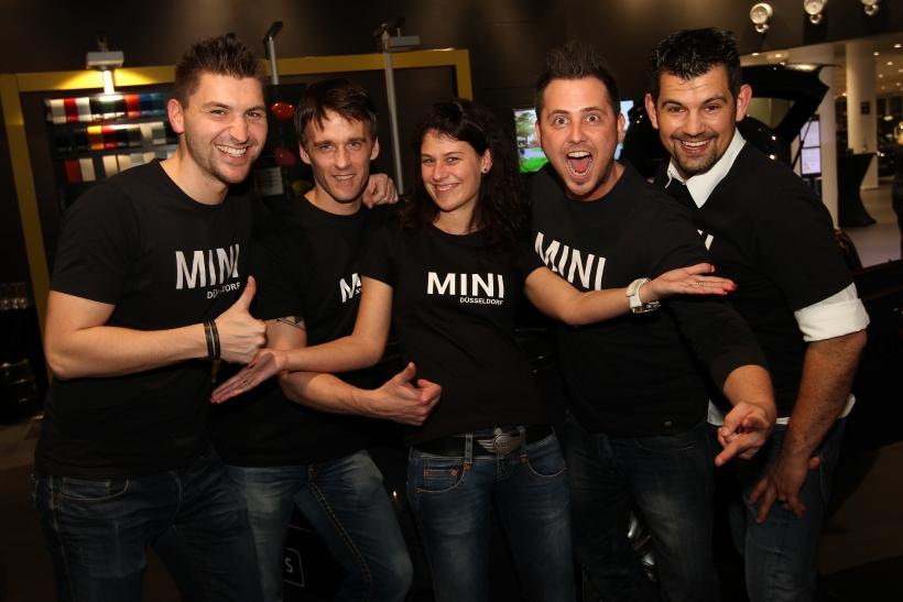 Das MINI-Team strahle mit dem Wagen um die Wette (xity-Foto: S.Wegemann)