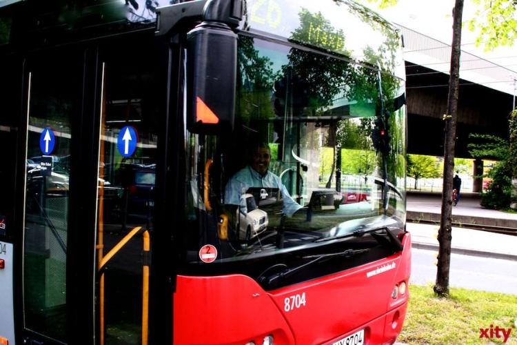 Bus beschädigt (xity-Foto: D.Mundstock)