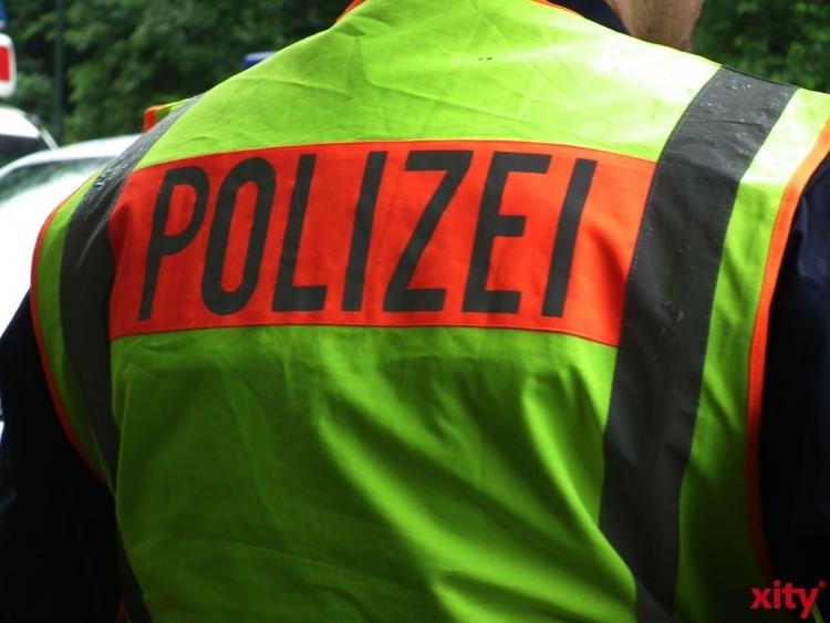 Verkehrsunfall mit Personenschaden in Golzheim (xity-Foto: M. Völker)