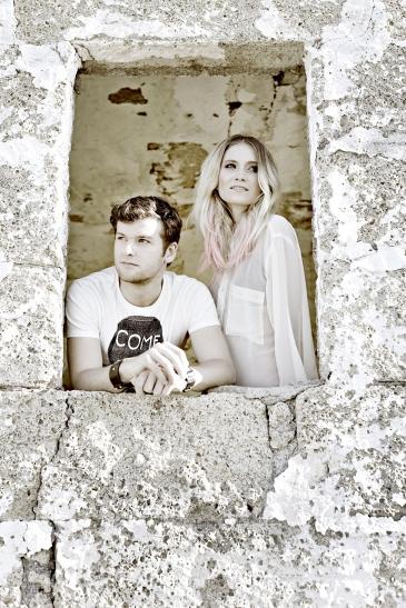 Caro und Daniel von Glasperlenspiel zu den etablierten Bands auf dem Sektor feinste Popperlen und sind fester Bestandteil der nationalen Musikszene. (Foto: Kulturfabrik Krefeld)