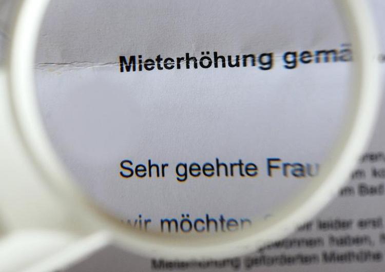 Kritik aus CSU an Entwurf für Mietpreisbremse (© 2014 AFP)