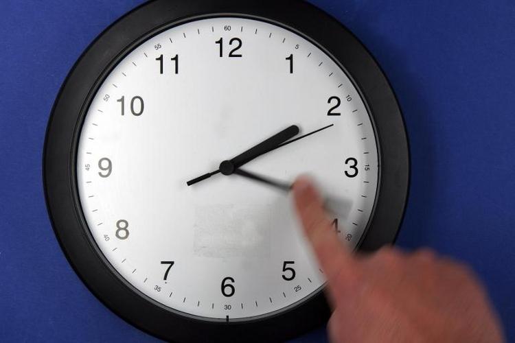 DAK: Zeitumstellung erhöht Herzinfarkt-Risiko (© 2014 AFP)