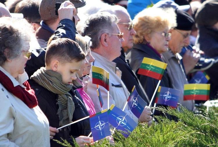 Berlin will baltischen NATO-Staaten militärisch helfen (© 2014 AFP)
