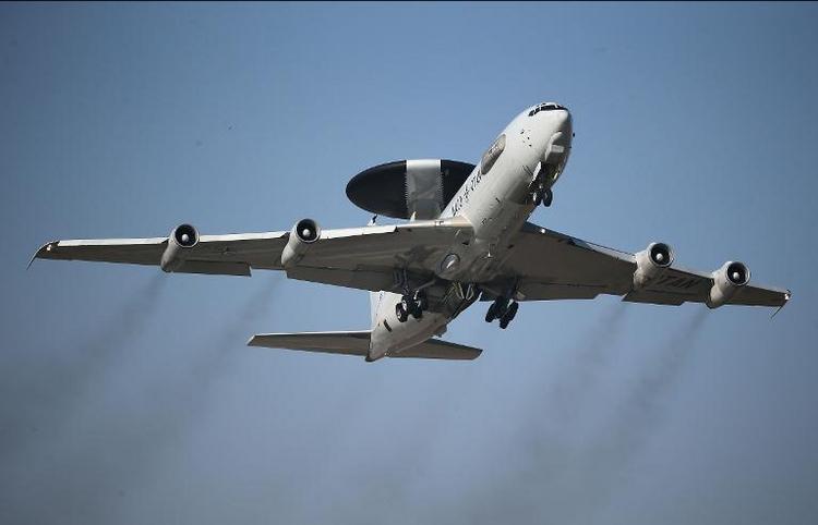 Berlin prüft Beitrag für NATO-Verstärkung im Osten (© 2014 AFP)